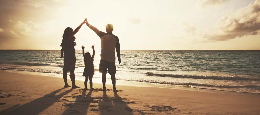 Familie Eltern Kinder Selbstständigkeit absichern (Bild: Shutterstock)