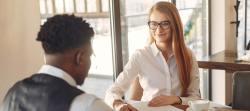Bewerbungsgespräch: 4 Tipps für mehr Selbstbewusstsein