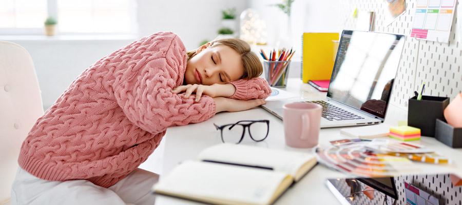 Home Office Überlastung (Bild: Shutterstock)