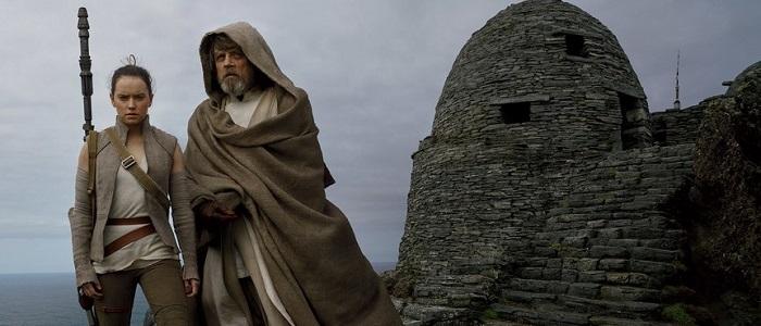 Pablo Hidalgo Talks About Rey & Luke's Lightsabers With Vanity Fair