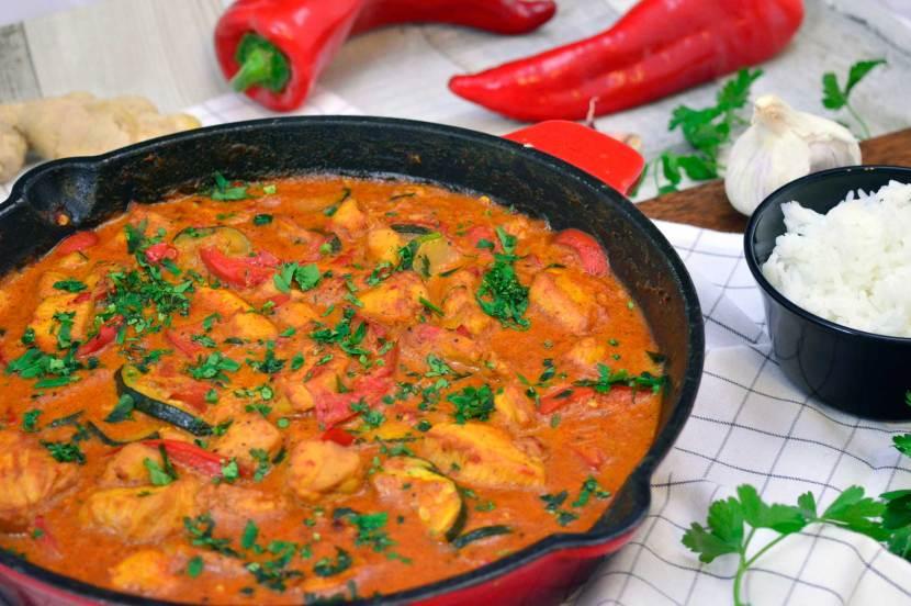 kurczak z czerwoną pastą curry