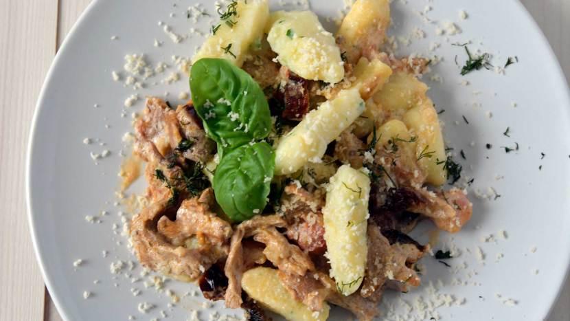 Gnocchi w sosie kurkowym