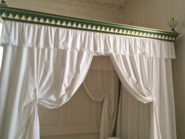 Love the Green Color and Design on this Williamsburg Canopy Bed