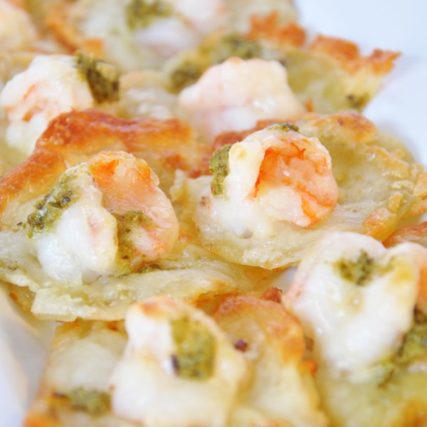 Shrimp Pizzettes With Olive Oil And Pesto
