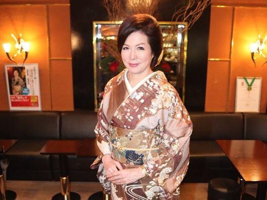 「伊藤由美銀座ママの着物の値段」の画像検索結果