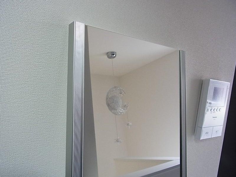 ウォークインクローゼットの中に鏡を取り付け | 白いお家のブログ