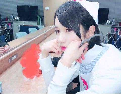 西岡健吾 女装 看護師