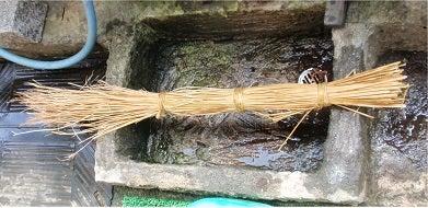 藁で縄をなう(綯う) | z じいちゃんのブログ