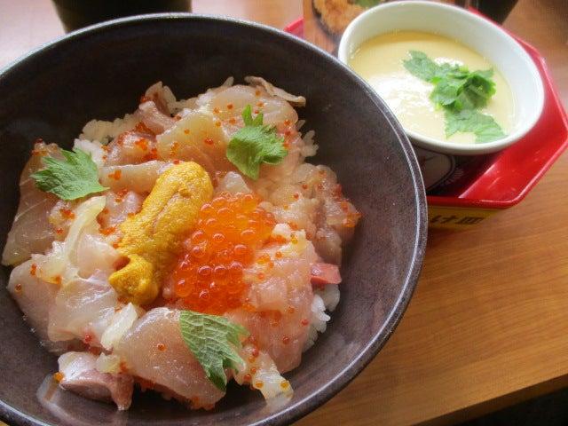 くら壽司 500円ランチ ウニいくら入り海鮮丼 | くいしんぼ ブログ 喰寢暴