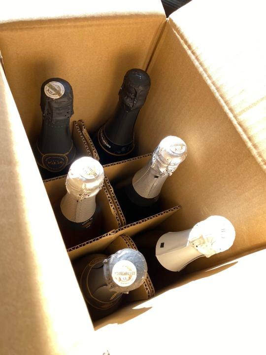 スパークリングワイン6本の画像