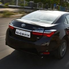 New Corolla Altis Vs Elantra Remote Grand Avanza Toyota 2017 Price Mileage Reviews