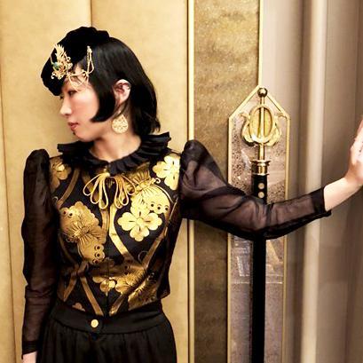 神戸が誇るファッションデザイナーの巻 | あなろま浪漫 -堺のジュエリー作家が綴るの彫金オーダー制作 ...
