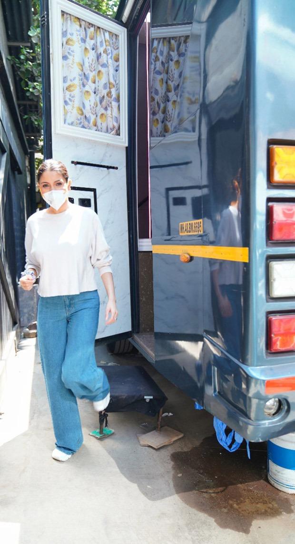 Anushka Sharma back to work two months before scheduled return post giving birth to Vamika