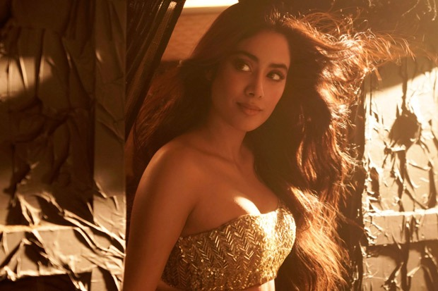 FIRE ALERT! Janhvi Kapoor sets temperatures soaring in revamped version 'Nadiyon Paar' song from Roohi