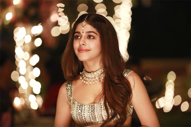 Alaya F to star in debut music video 'Aaj Sajeya', looks resplendent in bridal ensemble