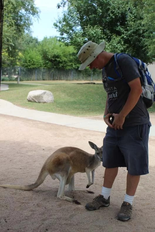 -Chris-and-a-kangaroo