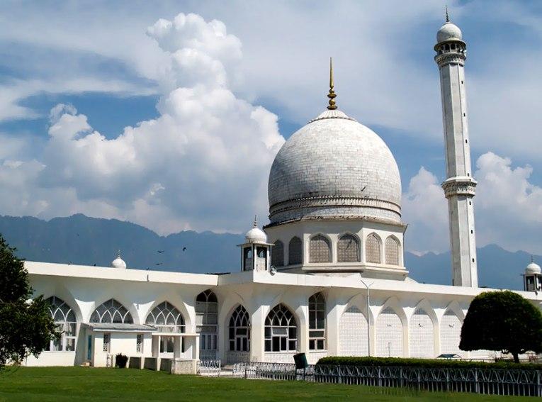 Dargah Hazratbal in Srinagar, Kashmir