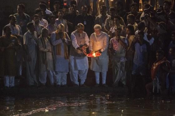 Narendra+Modi+BJP+Leader+Narendra+Modi+Prays+5M341u3FVxul