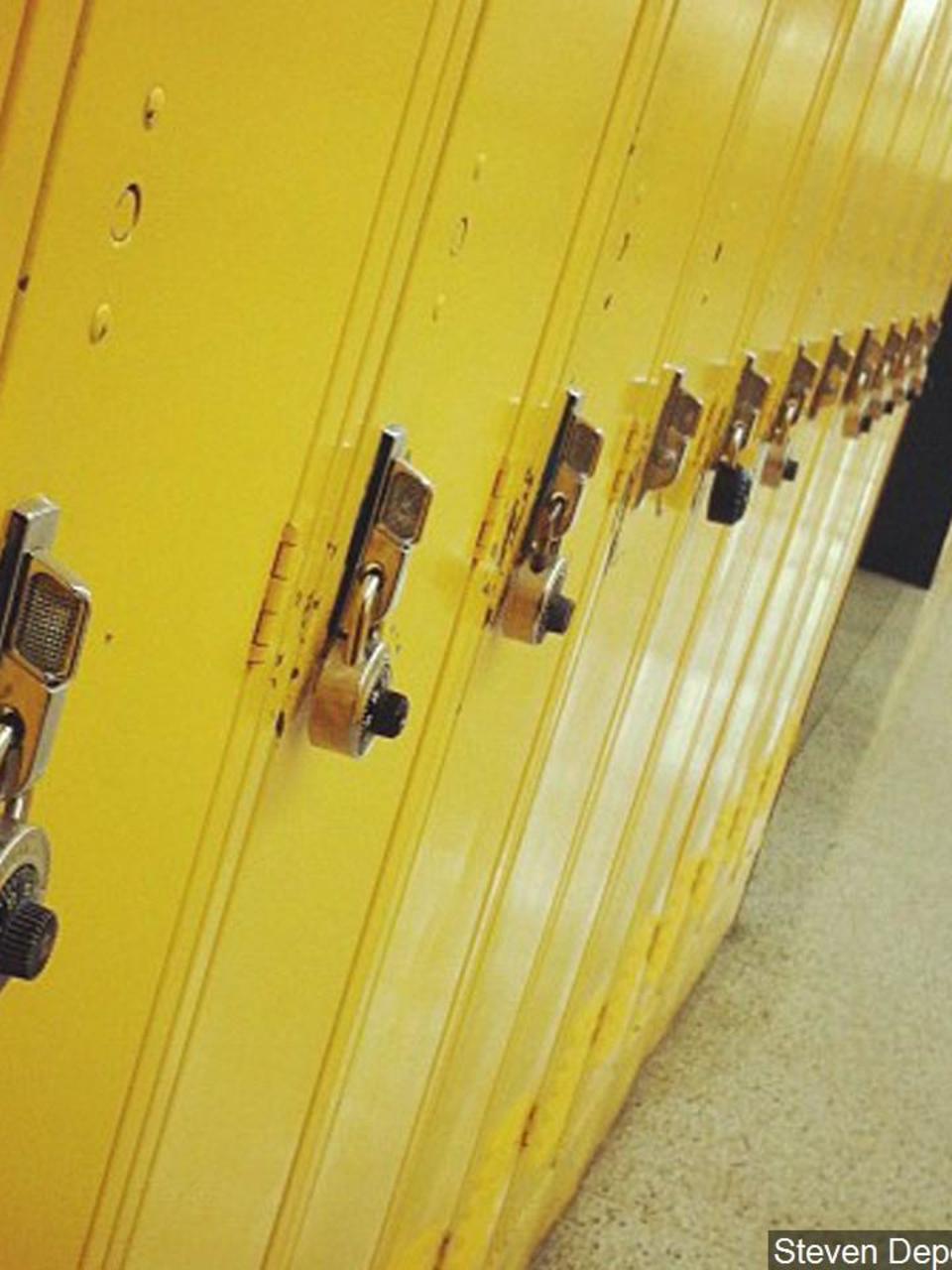 Gov. Whitmer closes all Michigan schools amid COVID-19 scare | WLUK