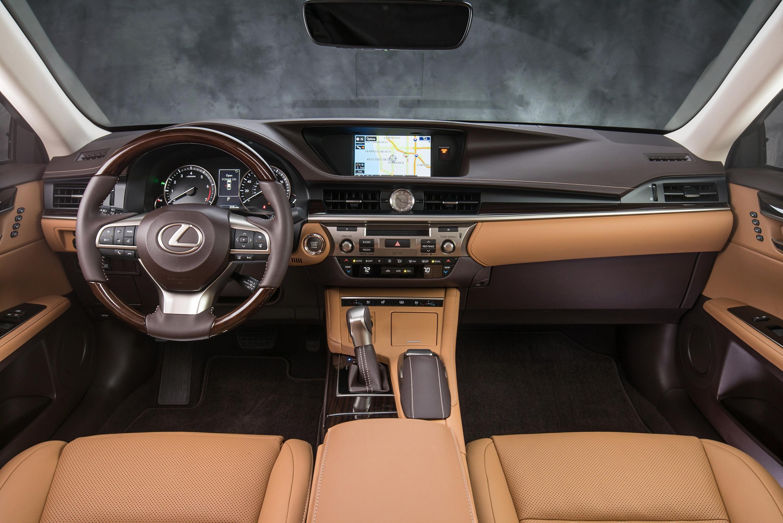 2017 Lexus ES 350 recalled to fix potential steering issue