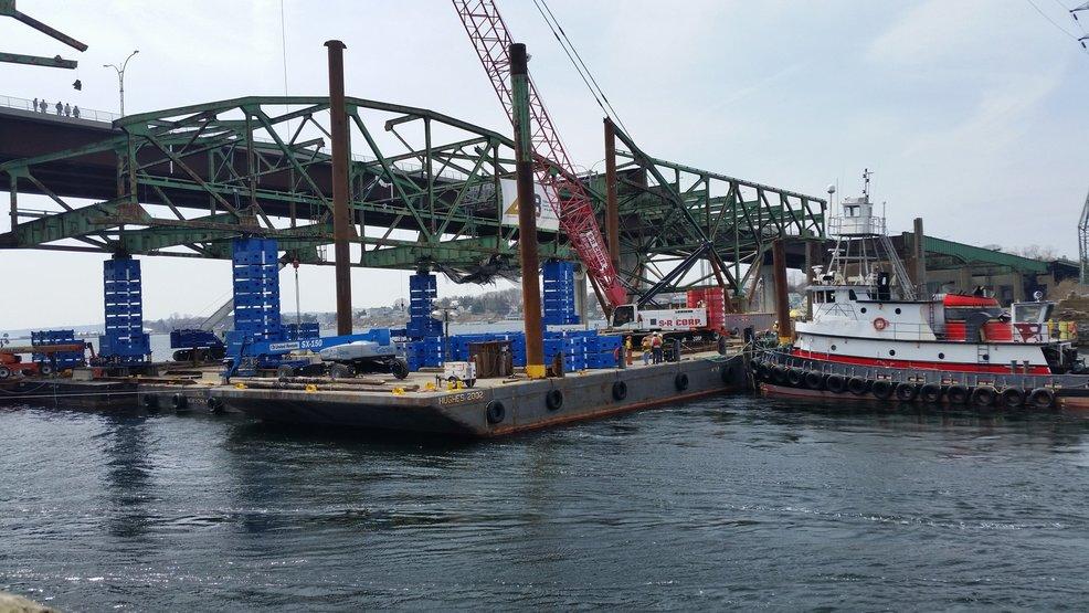 Center span of old Sakonnet River Bridge comes down WJAR