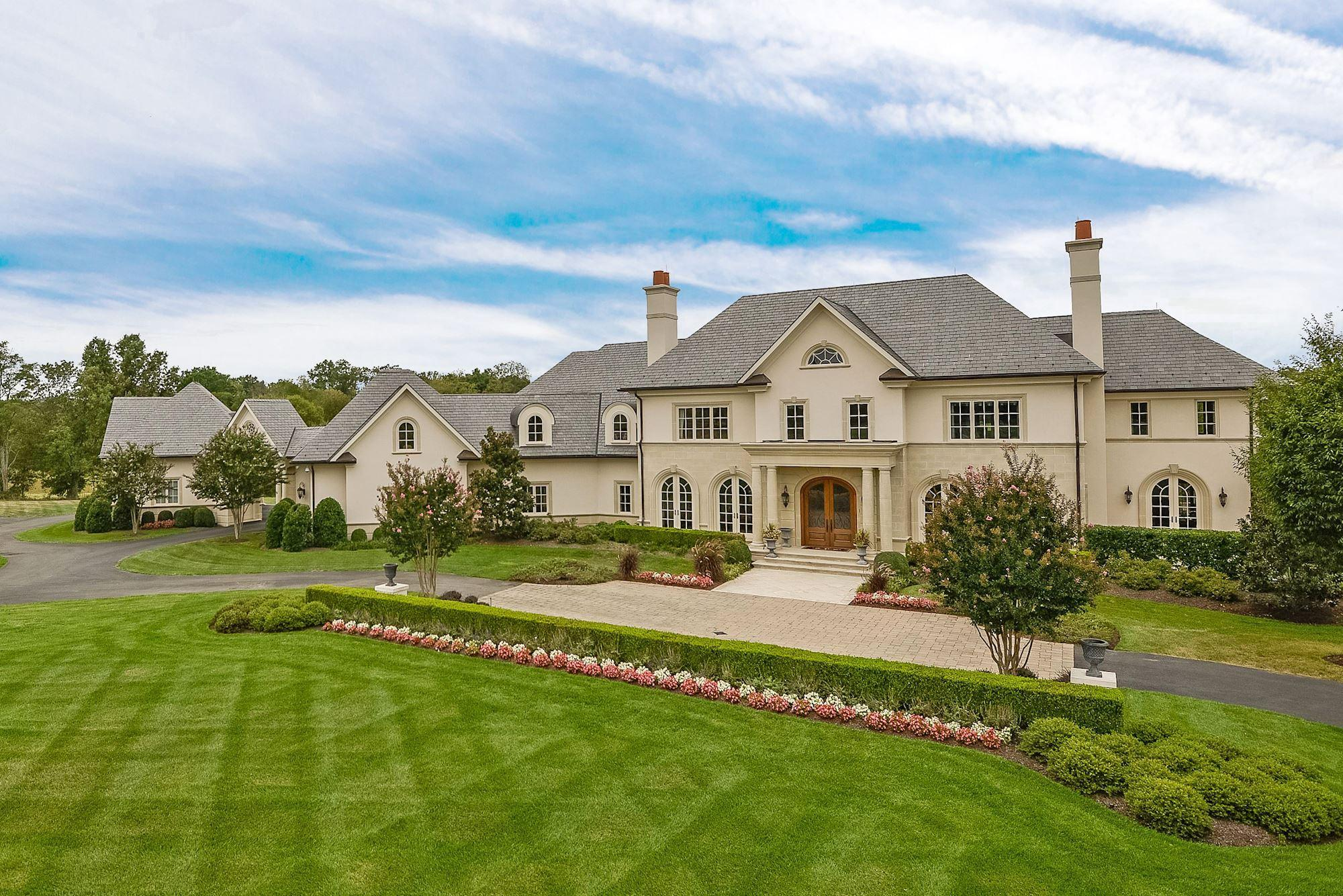 This 58M mansion has all the amenities of a luxury