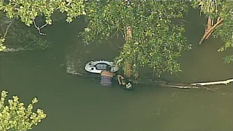 Rescue Crews Pull Four People From Medina River Woai