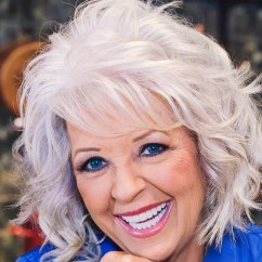 Paula Deen Kitchen Chandelier For S Family Coming To Destin Commons Wear Open In Photo Source