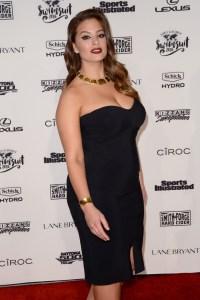 SI model Ashley Graham shrugs off Cheryl Tiegs' plus-sized ...