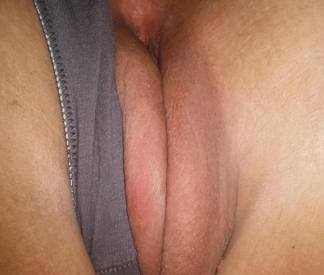 Girlfriends Puffy Pussy Porn Photo