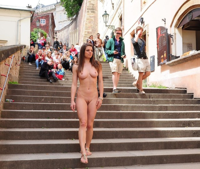 Beautiful Naked Girl In Public Porn Photo