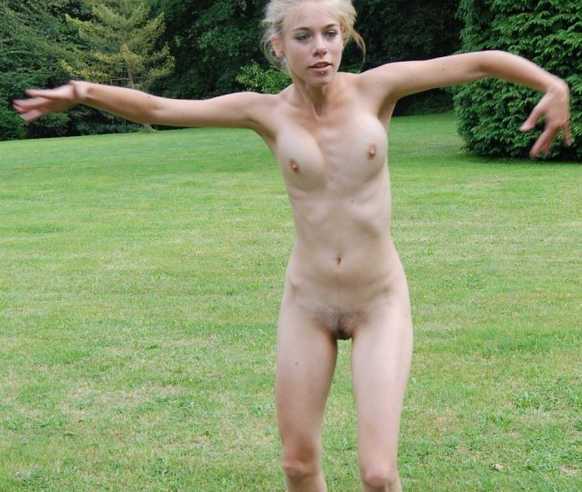 Beautiful Nude Amateur Teen Margo Nude In The Park Porn Photo