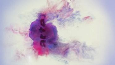 Foto: Frau bei einem EEG