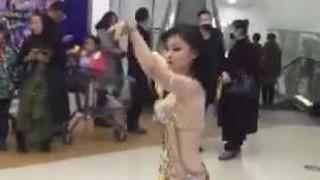 商场炫舞的dancer露点 太小了,撑不住