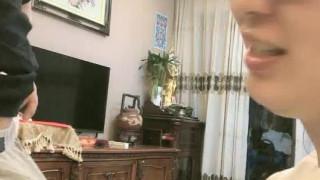 新晋女神主播啪啪【刘湿湿】,模特身材高颜值,无毛粉嫩鲍鱼无套插入,M字腿叉开喜欢男友的舌头
