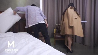 国产AV剧情麻豆传媒映画最新出品 MDX0042 ❤️极度诱惑的采访苏畅720P高清版