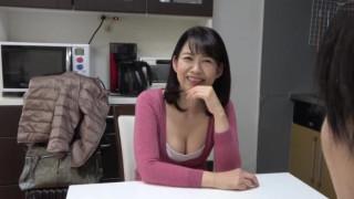 OFKU-185 高知から上京した嫁の母が…土佐の巨乳義母 藤岡奈月 51歳