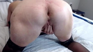 Mature Girl Loves To Finger Her Pussy Doggystyle
