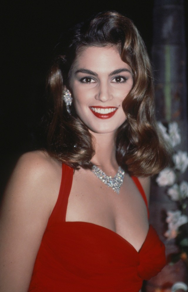 get the look: cindy crawford's '90s hair and makeup