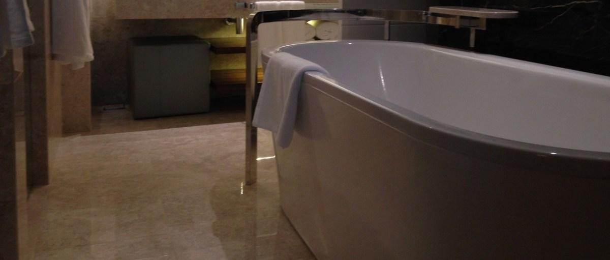 Какие бывают формы чугунных ванн