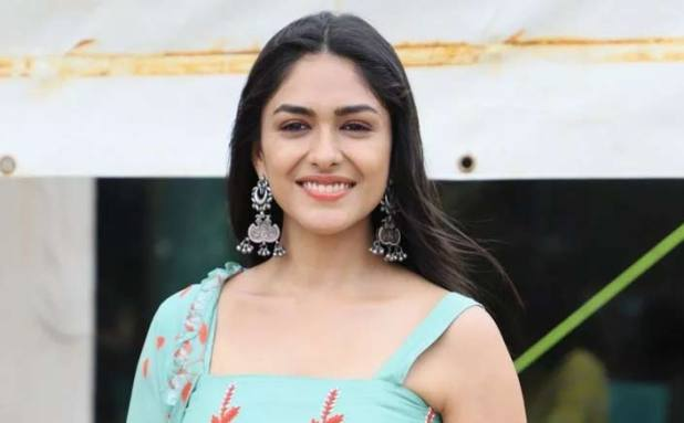 Mrunal Thakur: There Is NO Such Thing As Narrations For Newcomers In Bollywood