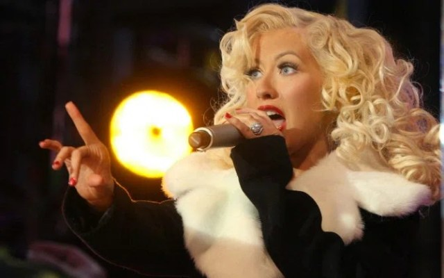 NYC 12/31/06 Christina Aguilera performing in Times Square on NEW YEARS EVE 2007 Digital Photo by ©Adam Nemser-PHOTOlink.net ONE-TIME REPRODUCTION RIGHTS ONLY ( - 2009-03-17, Adam Nemser / IPA) p.s. la foto e' utilizzabile nel rispetto del contesto in cui e' stata scattata, e senza intento diffamatorio del decoro delle persone rappresentate