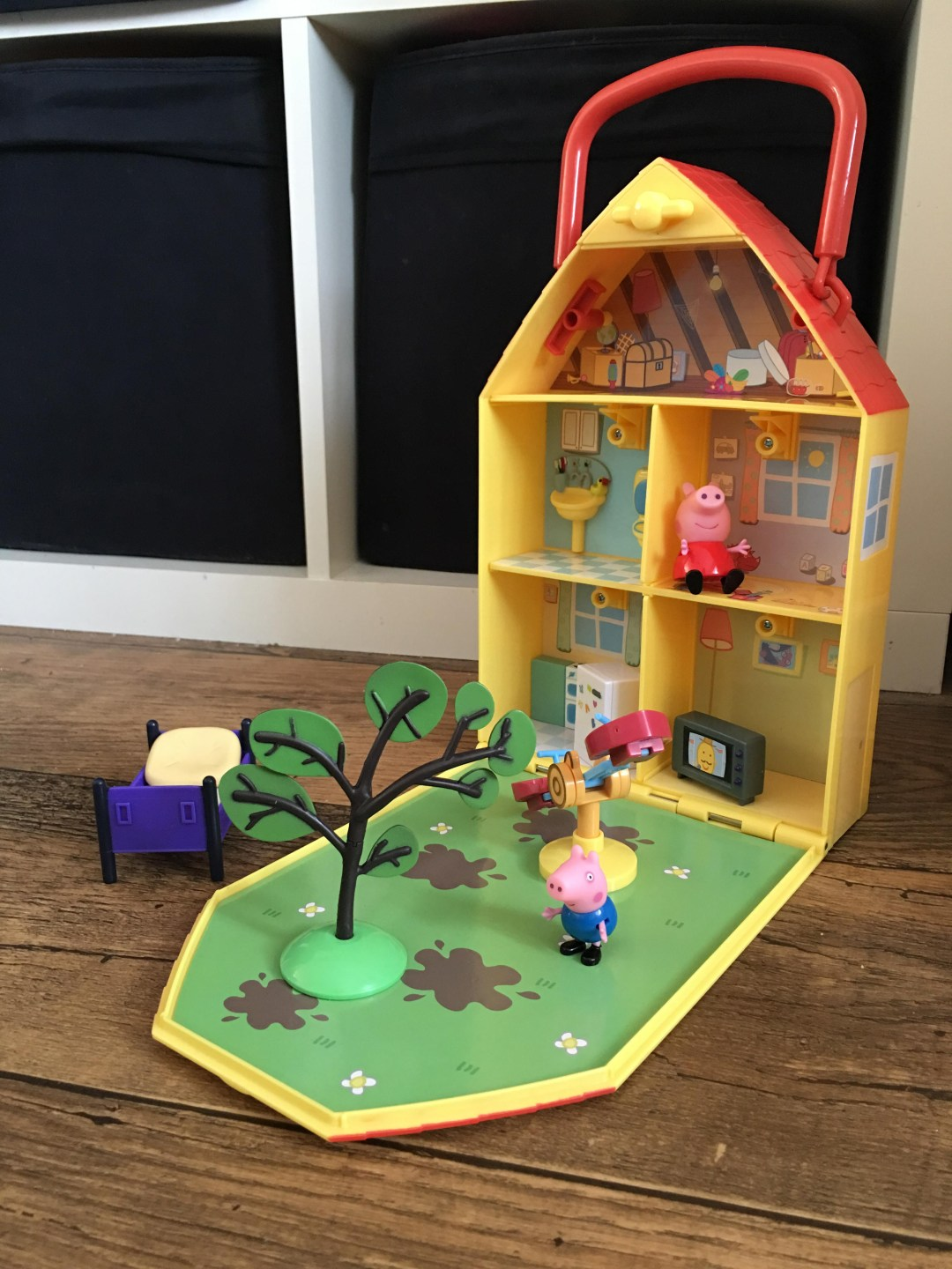 Peppa's house and garden playset