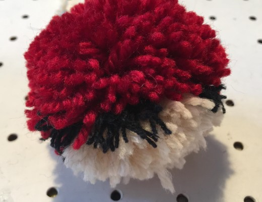 Pokémon Go Poké ball pom pom craft