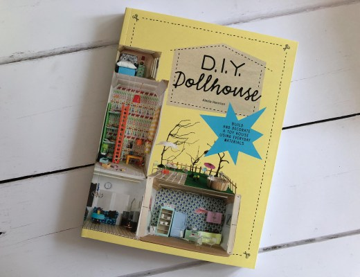 D.I.Y. Dollshouse by Alexia Henrion