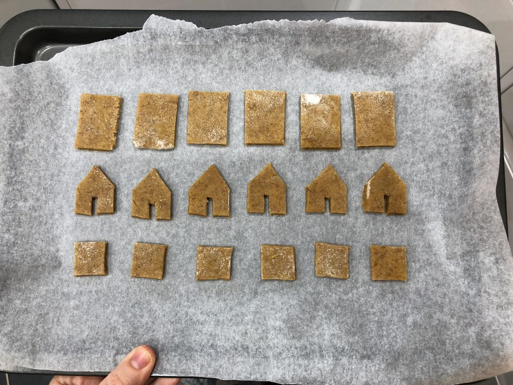 mini gingerbread house pieces
