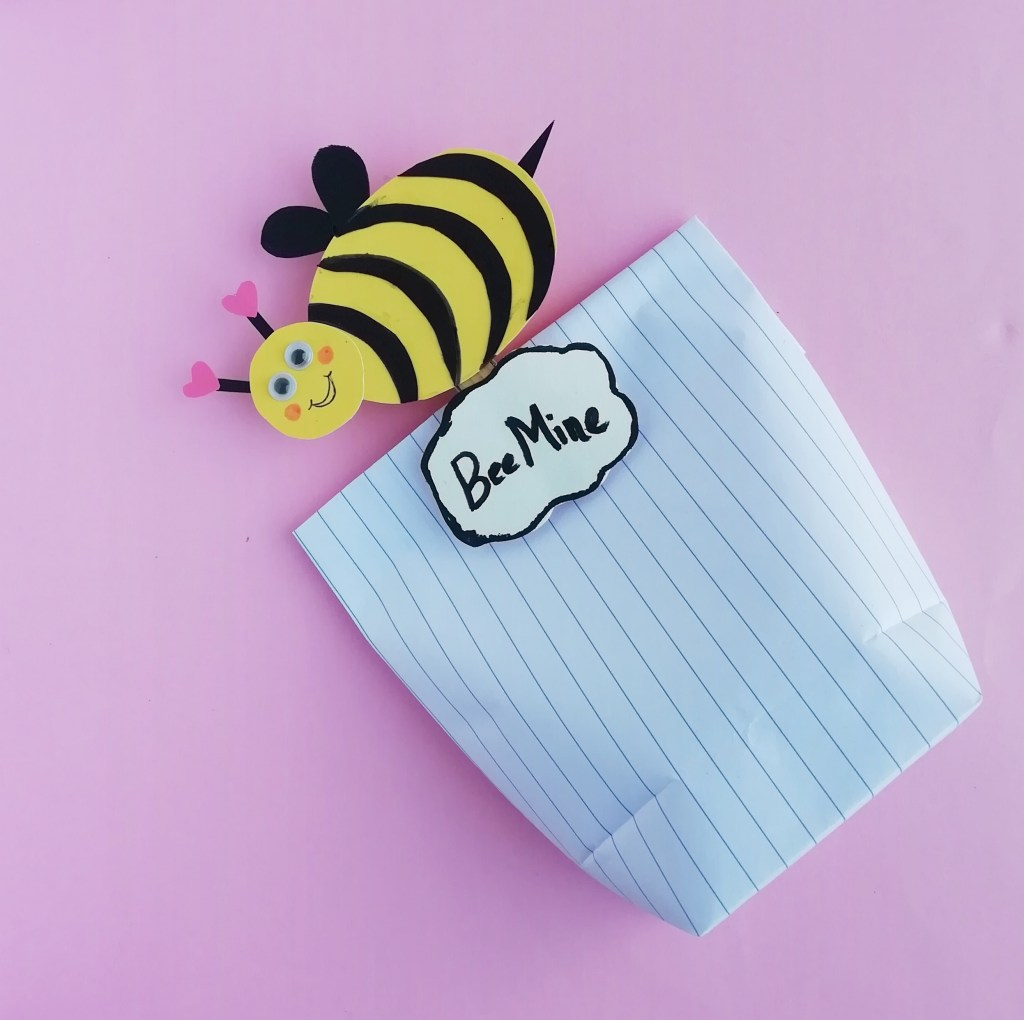 DIY paper Honey Bee for Valentines Day