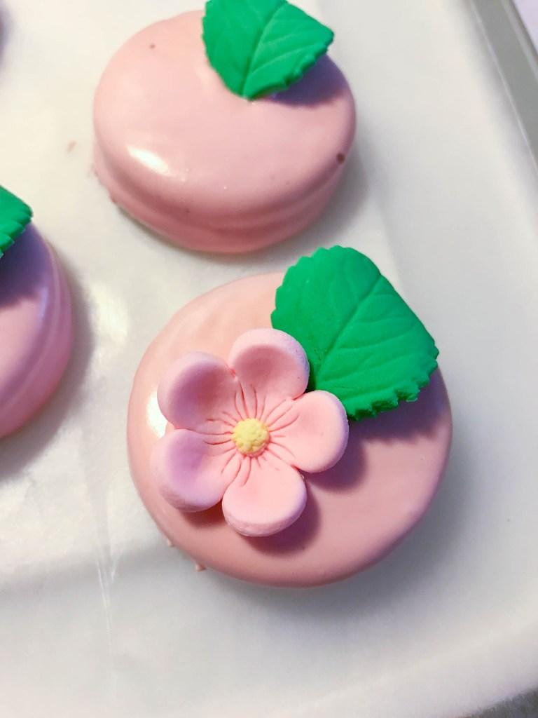 decorated oreo cookies