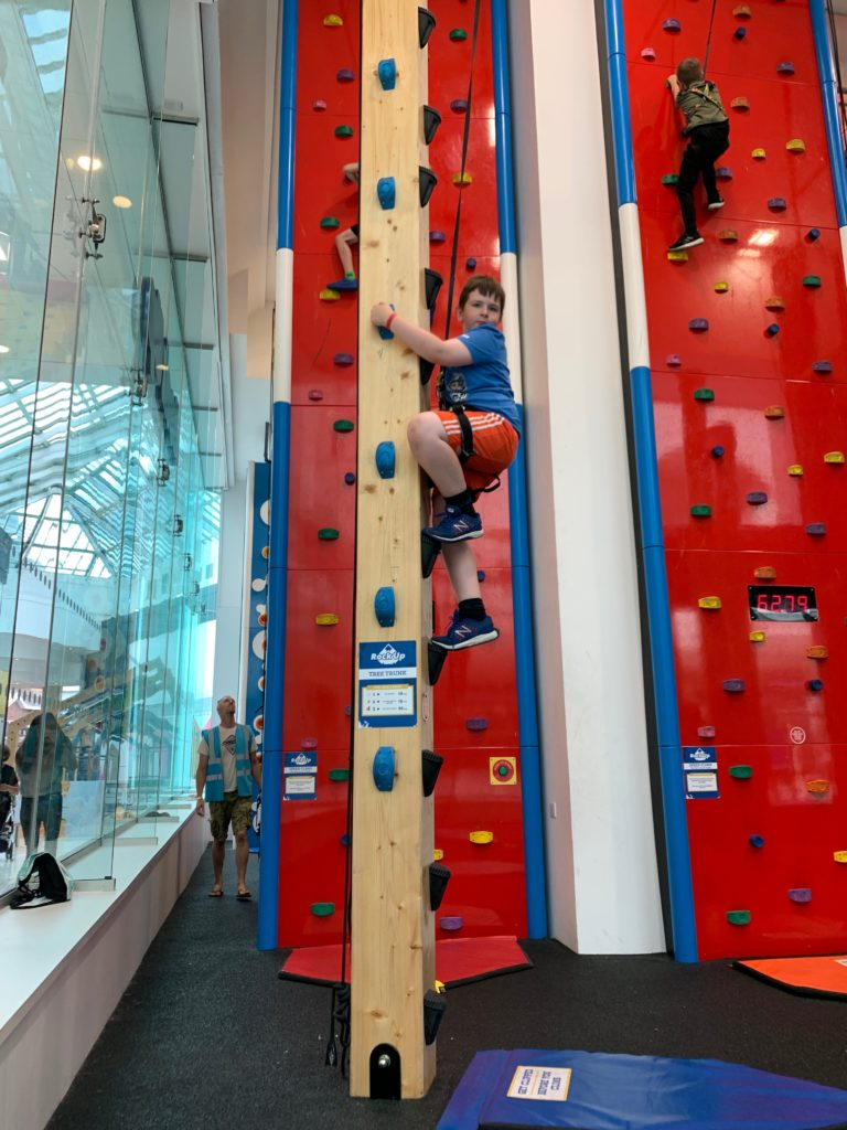 indoor climbing at Rock Up