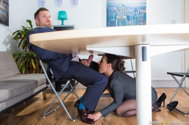 Hd Porn Video Under The Table Deal